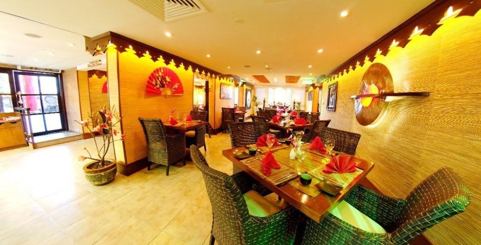 مطعم فندق اريبيان كورتيارد فندق وسبا بر دبي