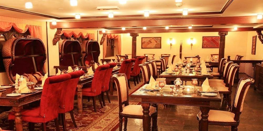 مطعم ممتاز محل فندق اريبيان كورتيارد فندق وسبا بر دبي