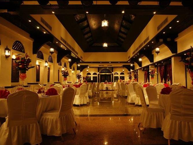 غرفة اجتماعات فندق اريبيان كورتيارد فندق وسبا بر دبي