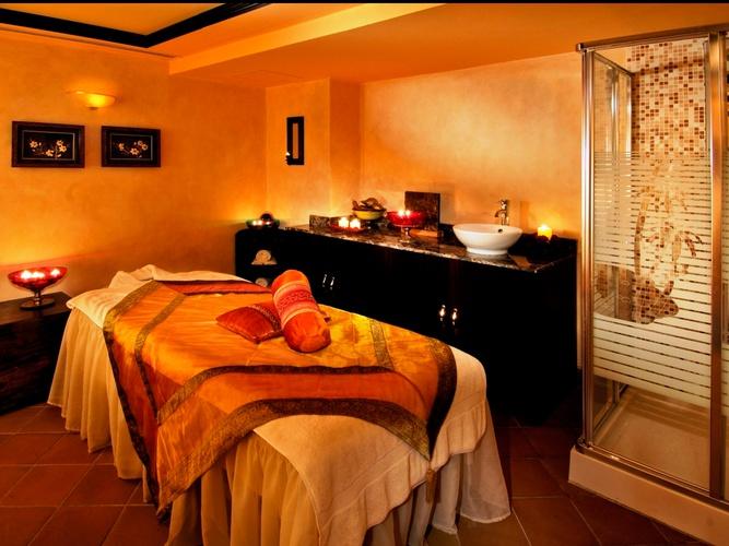 منتجع صحي فندق اريبيان كورتيارد فندق وسبا بر دبي